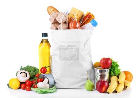 Photo pour Sac de produits frais isolé sur blanc - image libre de droit