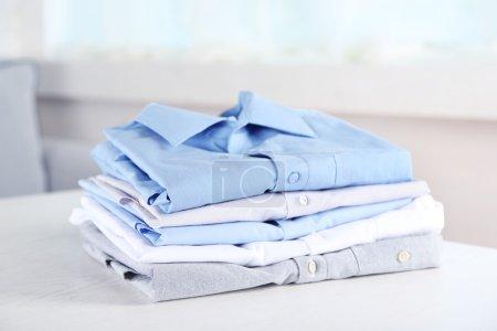 Chemises Business sur tableau blanc