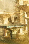 Closeup kamenná kašna s kapající voda