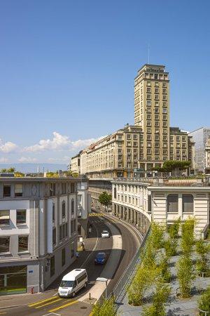 Photo pour Lausanne vue sur la ville en été - image libre de droit