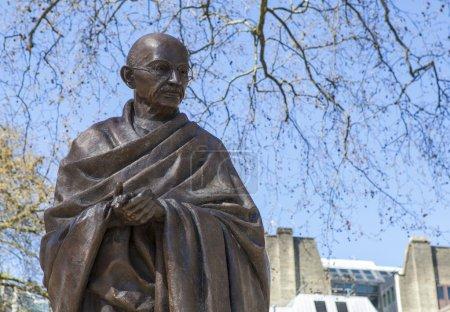 Статуя Махатмы Ганди в Лондон