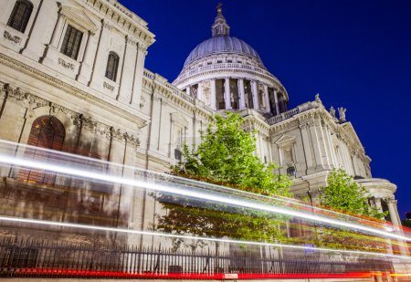 St. Pauls Cathedral at Night