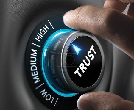 Photo pour Position de doigts homme confiance bouton de réglage le plus élevé. Image de concept pour l'illustration du niveau de confiance élevé. - image libre de droit