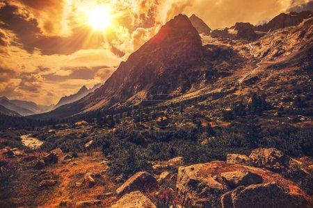 Photo pour Alpes italiennes Paysage. Italie du Nord Paysage de montagne . - image libre de droit