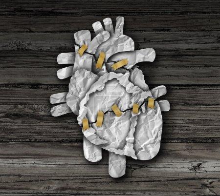 Photo pour Coeur humain chirurgie concept ou cardiologie symbole médical comme un traitement de photothérapie opération cardiaque et une intervention chirurgicale cardiovasculaire comme un organe cassé en papier froissé réparée avec du ruban adhésif. - image libre de droit
