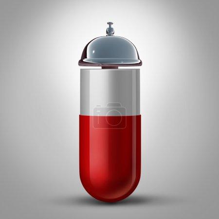 Photo pour Service de médecine et pharmacie Assistance en pharmacie et conseils pour la préparation des pilules sous forme de capsule médicamenteuse avec une cloche d'hospitalité comme symbole et concept pour le médecin et le pharmacien Aide aux soins de santé . - image libre de droit