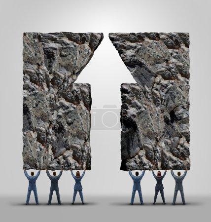 Photo pour Soutien de l'équipe d'affaires et le succès du travail d'équipe de l'entreprise et concept de motivation que deux équipes se réunissent soulevant des roches lourdes en forme de flèche vers le haut comme une métaphore de la coopération pour atteindre l'impossible . - image libre de droit