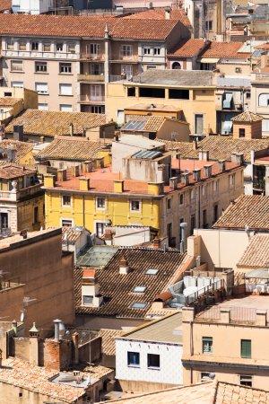 Photo pour Toits du vieux quartier de Gérone vue urbaine . - image libre de droit