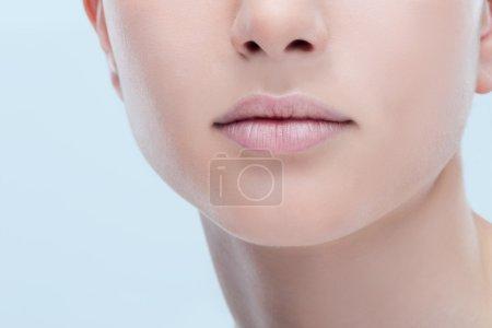 Photo pour Concept de close-up, parfait soin lèvres pleines de belle jeune femme - image libre de droit