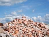 Beton und Ziegel Schutt Derbis auf Baustelle