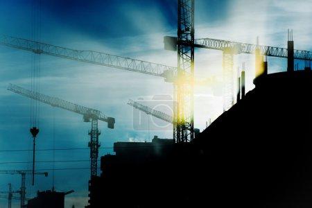 Photo pour Grues de construction - image libre de droit