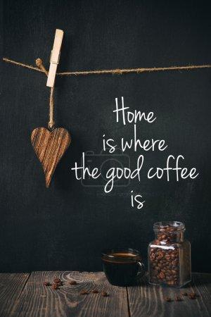 Photo pour Café aux haricots et phrase écrite - image libre de droit
