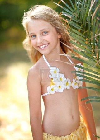 Foto de Retrato de niña con estilo tropical - Imagen libre de derechos