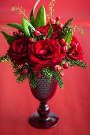 Photo pour Élégante décoration de table avec des roses - image libre de droit