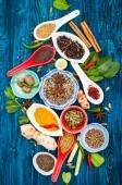 Různé asijské koření