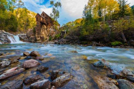 Photo pour Puissance en bois Crystal Mill situé sur Crystal River Colorado - image libre de droit