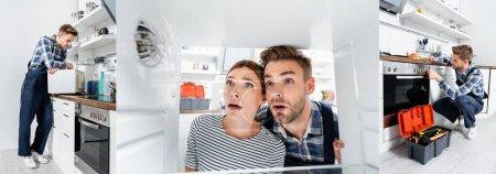 Photo pour Collage de bricoleur appuyé sur micro-ondes, vérifier le bouton du four et regarder congélateur près de la jeune femme dans la cuisine, bannière - image libre de droit