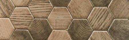 Photo pour Carreaux hexagonaux, avec imitation de la surface du bois, bannière - image libre de droit
