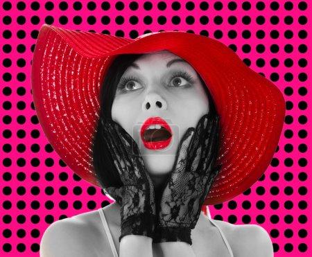 Pin-up femme avec chapeau rouge et lèvres