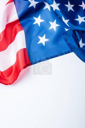 Photo pour Drapeau d'Amérique avec des étoiles et des rayures isolées sur blanc - image libre de droit