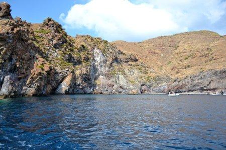 Photo pour Belle côte de l'île du volcan - Sicile - image libre de droit