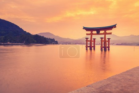 The famous orange shinto gate in Japan