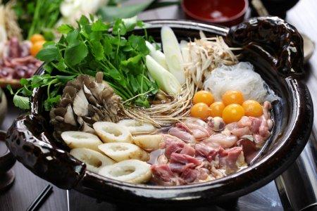 Photo pour Cuisine japonaise au poulet chaud, kritanpo nabe avec hinaizidori - image libre de droit