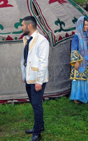 Photo pour Moscou - 18 juillet 2015 : Sabantui célébration à Moscou, dans le parc de Kolomenskoïe. Sabantui est une fête nationale Tatar et en bachkir, festival de fin de travaux de terrain de printemps. - image libre de droit