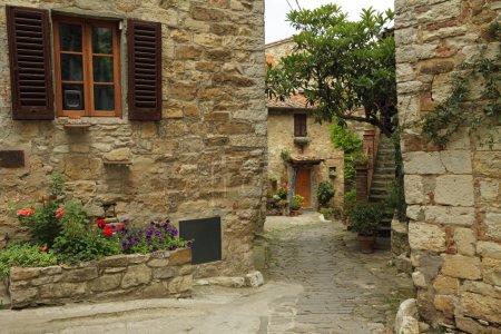 Beautiful nook  in Montefioralle village
