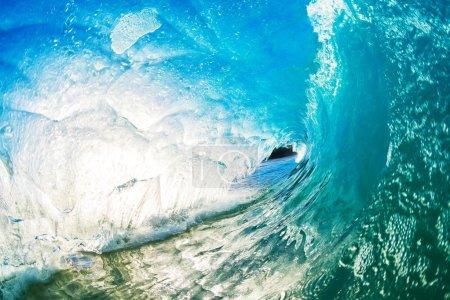 Photo pour Crash Blue Ocean Wave - image libre de droit