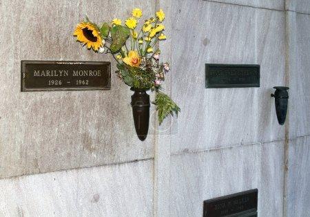 Marilyn Monroe tomb