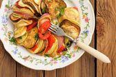 Chutné vegetariánské ratatouille z lilku, squash, rajčata