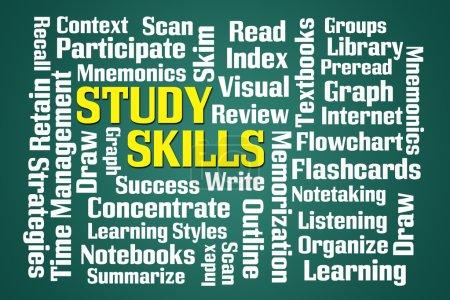 Photo pour Study Skills nuage de mots sur fond vert - image libre de droit