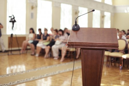 Tribune in speeches room