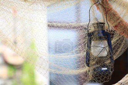 Photo pour Matériel de pêche ancien, filets de pêche - image libre de droit