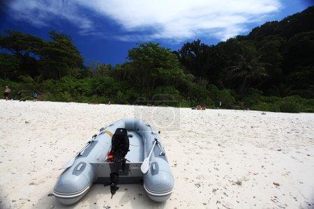 boat adventure tourism