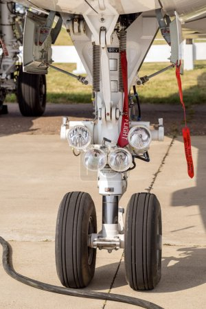 Landing gear of airplane
