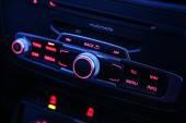Automobilové rozhlasový přijímač
