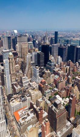 Photo pour New York City - Bâtiments de Manhattan Skyline d'en haut - image libre de droit