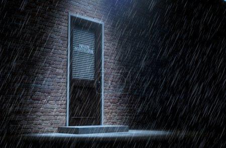 Photo pour Une 3d render d'une porte en bois sur une bâtiment de brique de visage recouverte par un obturateur fermé de détective privé écrit à ce sujet a mis en évidence par un projecteur généraux sous la pluie - image libre de droit