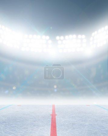 Photo pour Un stade générique de patinoire de hockey sur glace avec une surface gelée sous des projecteurs éclairés - image libre de droit