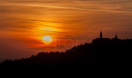 Ville de Pienza au coucher du soleil