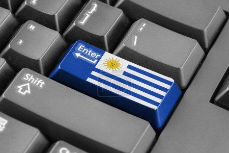 Photo pour Entrez le bouton avec le drapeau Uruguay - image libre de droit