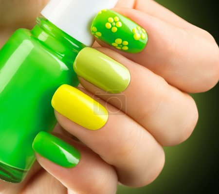 Spring green manicure.