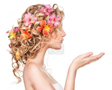girl with flowers hairstyle