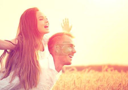Happy couple having fun outdoors o