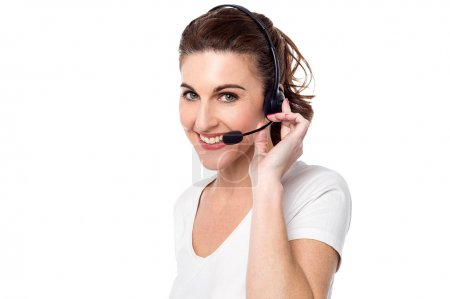 female customer support executive