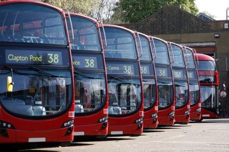 Les bus Dobule Decker font la queue