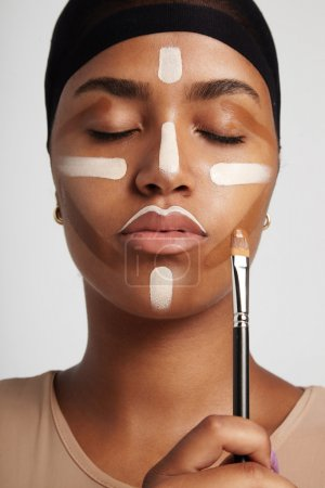 woman with a contouring lines