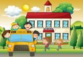 Děti na školní autobus do školy
